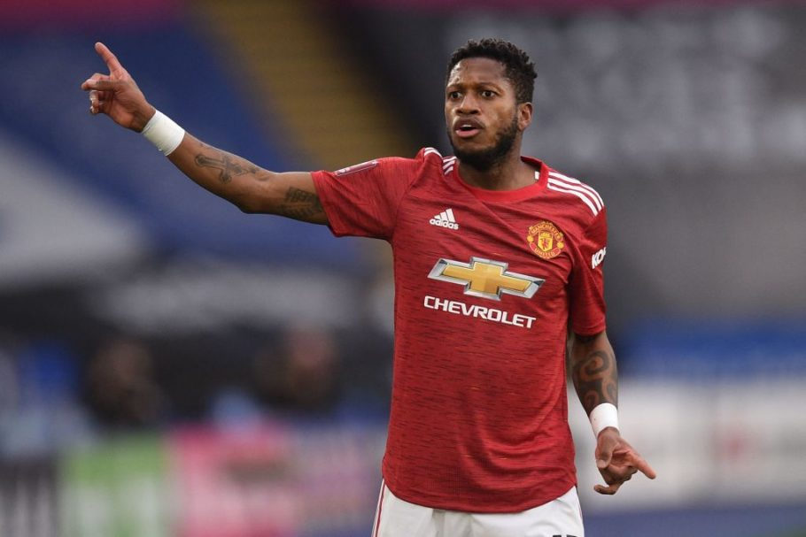 THREE PLAYERS MANCHESTER UNITED COULD REPLACE FRED WITH